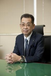 尾崎仁志 代表取締役社長