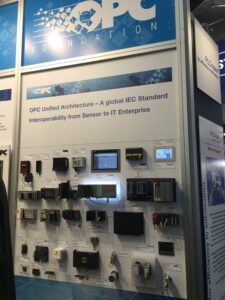 SPS/IPC/DriveのOPC協議会ブースで展示された各社からのOPC-UA対応コントローラ
