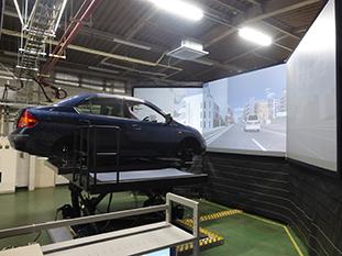 アルプスアルパイン、東北大学所有のドライビングシミュレータを涌谷工場へ移設